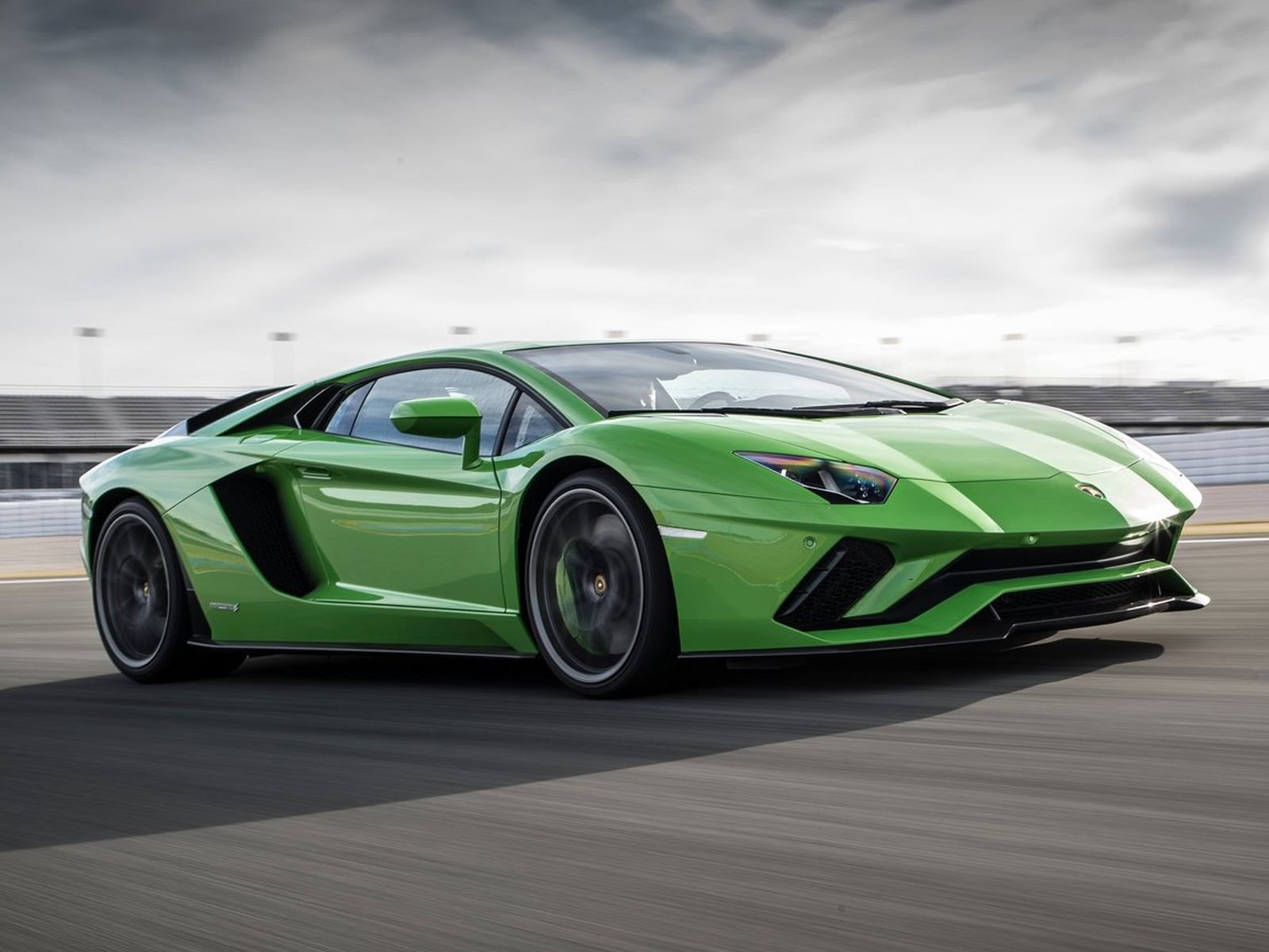 2019 lamborghini aventador performante price specs interior. Black Bedroom Furniture Sets. Home Design Ideas